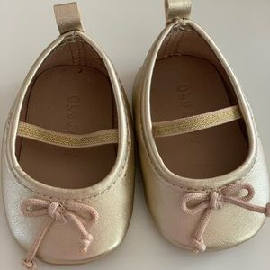 Old Navy Gold Baby Dress Shoes